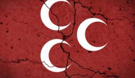 MHP teşkilatında istifa depremi