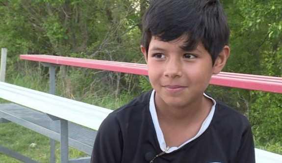 8 yaşındaki kız futbolcuyu erkek sandılar, takımını diskalifiye ettiler