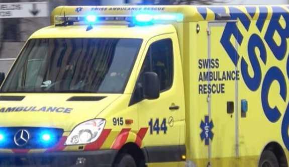 İsviçre'de bir yaz kampına uçak düştü.