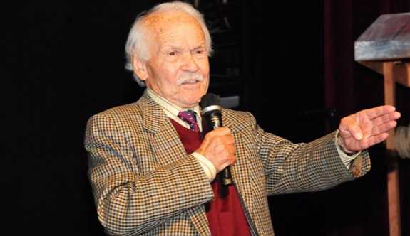Yazar Muzaffer İzgü yaşamını yitirdi