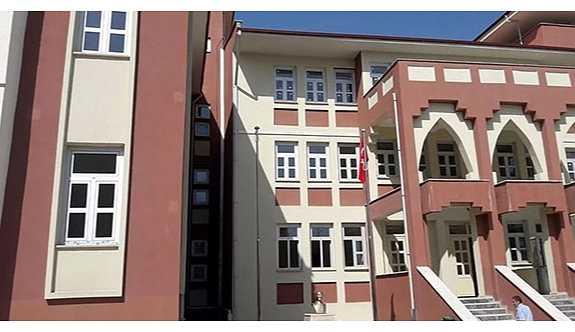 7 milyon lira harcanan imam hatip ortaokulu, yeni döneme 45 öğrenciyle başladı