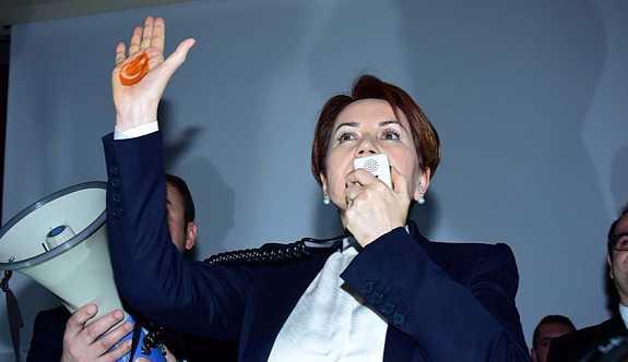 'Kınalı el' partinin logosu oluyor