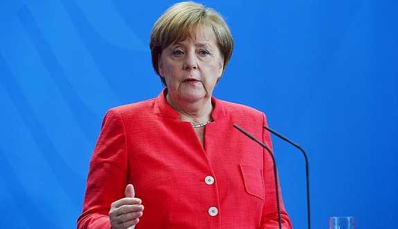 Merkel: Türkiye'nin üyeliğine hiçbir zaman taraftar olmadım