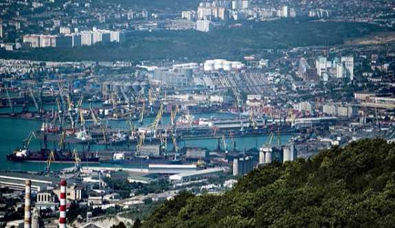 Vladimir Putin: Rusya limanlarında artık dolarla ticaret yapılmayacak