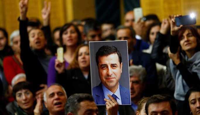 Bingöl'de Demirtaş'ın fotoğrafına el konuldu