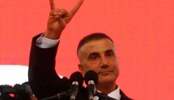 """Fatih Altaylı; Kaza geçirirsem, üzerime ağaç devrilirse sorumlusu Sedat Peker'dir"""" dedi."""