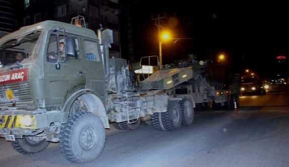 Irak sınırına zırhlı araç sevkıyatı yapıldı