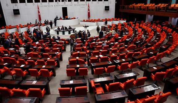 Meclis'e 1 milyon liralık masa