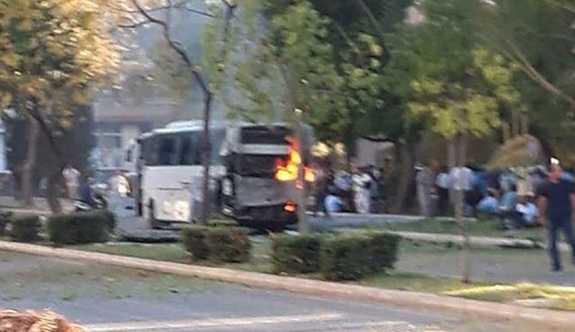Mersin'de polis servis aracına bombalı saldırı üzenlendi