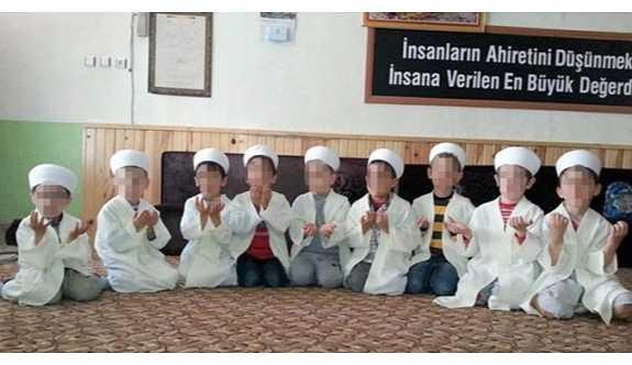 Sıbyan mektebi'nde  ailelere günahkar diye bakıyorlar