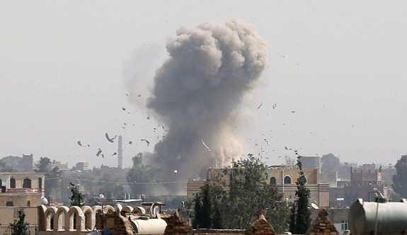 Yemen'den fırlatılan balistik füze Suudi Arabistan'ı vurdu