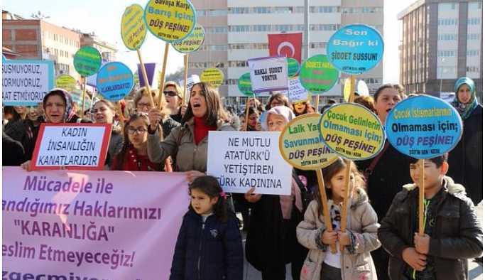 Bir çok kentte kadına şiddet protesto edildi