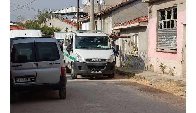 Bursa'da aile faciası:Annesine şiddet uygulayan babasını vurdu