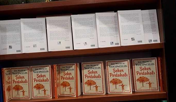 D&R Selahattin Demirtaş'ın kitabını ters koyarak sansürledi!