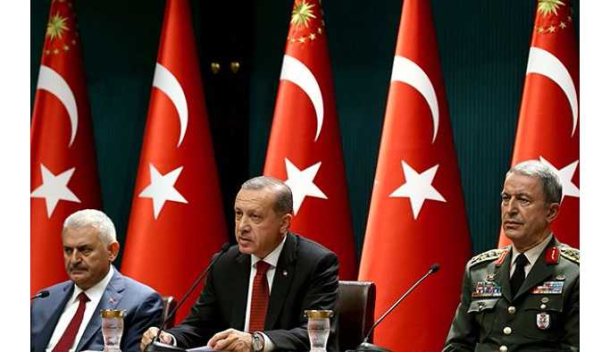 Erdoğan, İstanbul'da Başbakan ve Genelkurmay Başkanı ile bir araya geldi