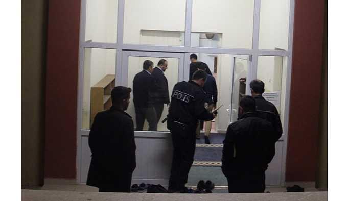 Gönüllü müezzinlik yaptığı camide ölü bulundu