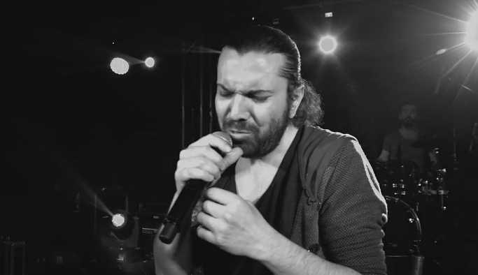 Halil Sezai konserinde bıçaklar konuştu, 1 kişi yaralandı