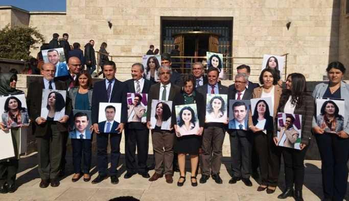 HDP'li milletvekillerinden Meclis'te yürüyüş