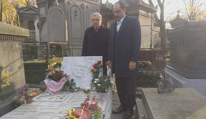İbrahim Kalın, Ahmet Kaya'nın mezarını ziyaret etti