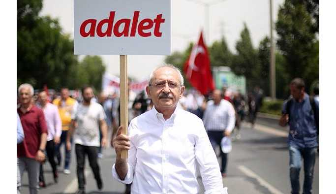 Kemal Kılıçdaroğlu'na 'demokrasi' ödülü