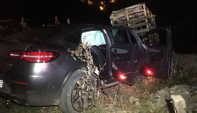 Lüks jeep sürücüsü aracıyla birlikte 10 metrelik uçurumdan düştü