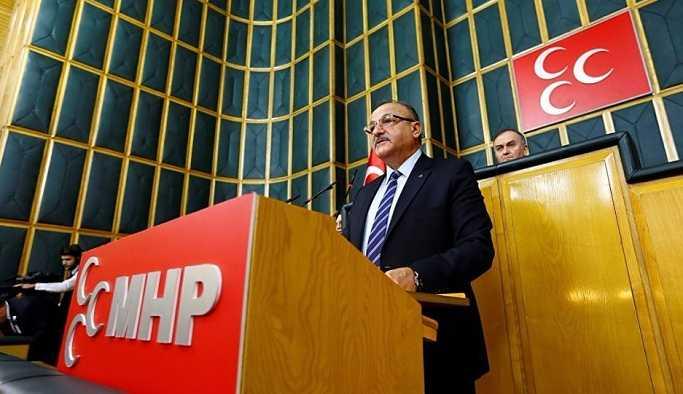 MHP'li Oktay Vural, Erdoğan'a seyahatlere eşlik ediyor