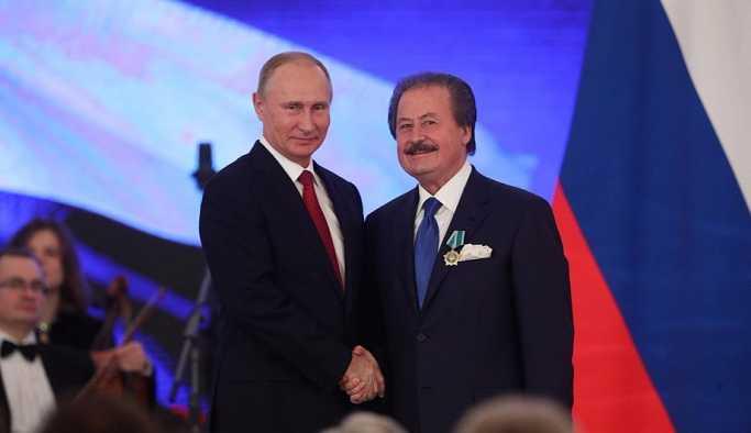 Putin'den Cavit Çağlar'a dostluk nişanı!