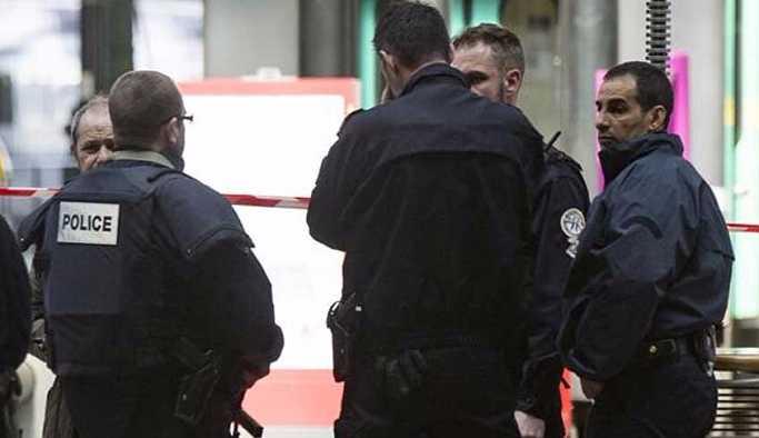 Türk markete silahlı saldırı: Yaralılar var