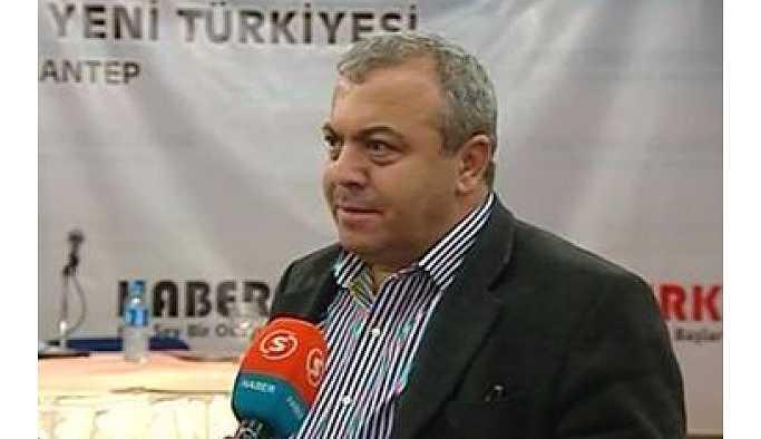 Yeniçağ yazarı İsmail Türk havaalanında gözaltına alındı