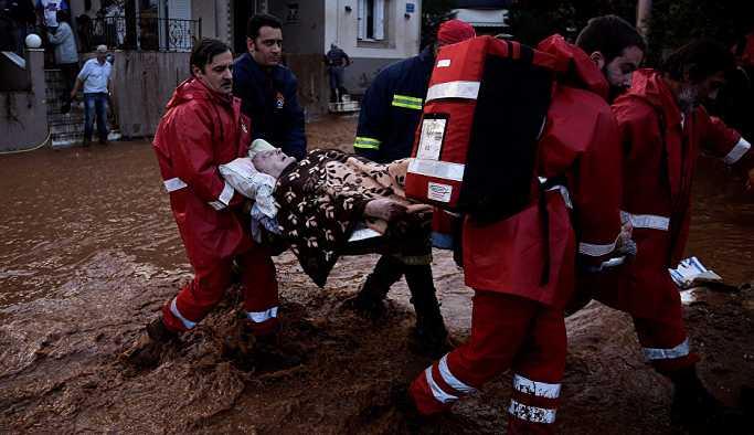 Yunanistan'da sel felaketinde ölenler için Türkiye'den taziye