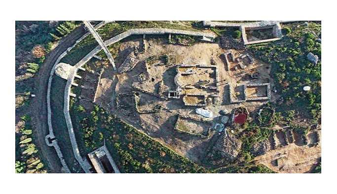 Aydos Kalesi'nde kilise, su sarnıçları ve mezarlar ortaya çıktı
