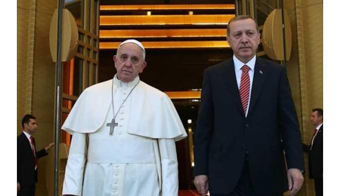 Cumhurbaşkanı Erdoğan, Papa ile telefonda görüştü.