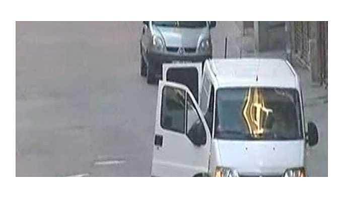 İstanbul'daki patlayıcı yüklü minibüse 11 tutuklama