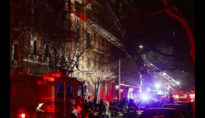New York'ta yangın:  1'i bebek 12 kişi hayatını kaybetti