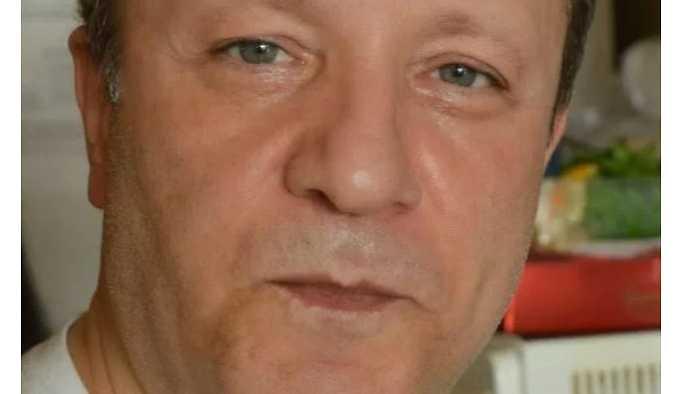 Ünlü Müzisyen oğlu tarafından boğazı kesilerek öldürüldü