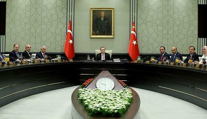 AK Parti kulisi: 18 bakanda değişiklik konuşuluyor