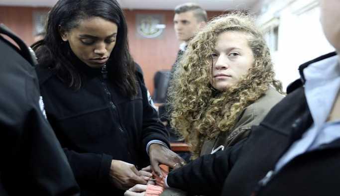 Filistinli'in 'cesur kızı' Ahed Tamimi'ye 12 ayrı suçlama