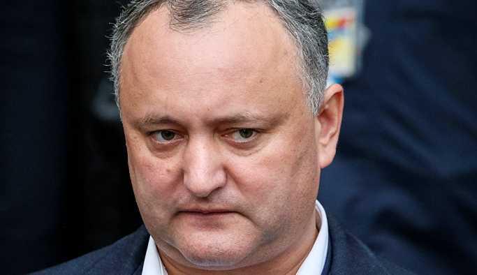 Moldova Devlet Başkanı Dodon'un yetkileri askıya alındı