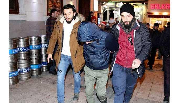 Taksim İstiklal Caddesi'nde bir kişiye 'taciz' gözaltısı