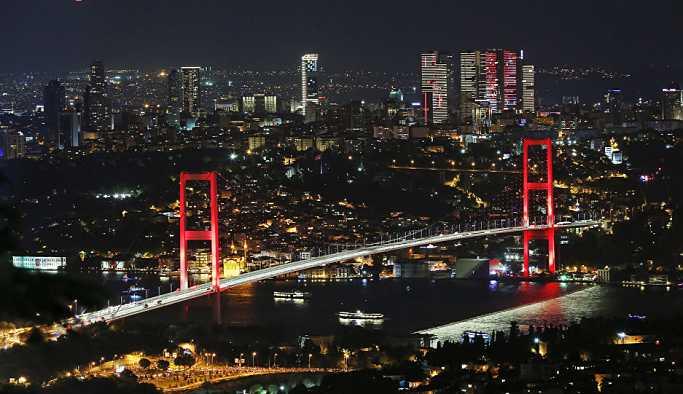 15 Temmuz Şehitler Köprüsü'ndeki eylem nedeniyle trafik durdu