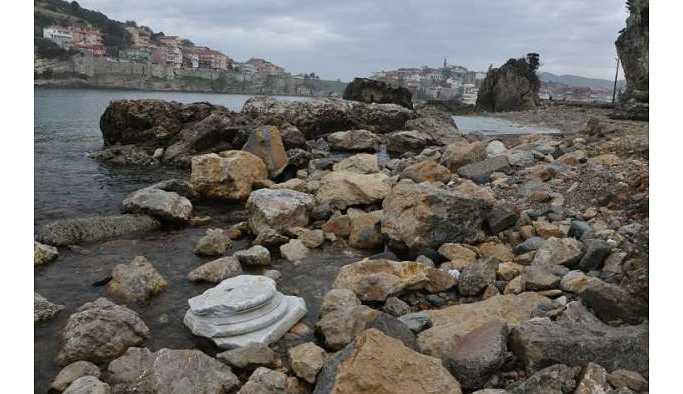 Bartın'da Roma döneminden kalma eserler sahile vurdu