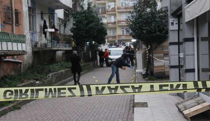 İki grup arasında, sokak ortasında silahlı kavga