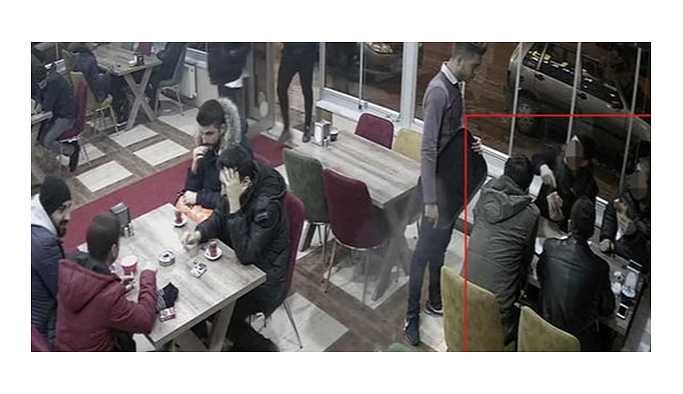 Mekân sahibine silah çeken polisler açığa alındı