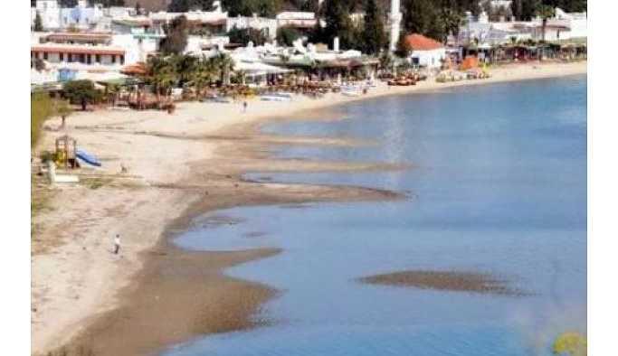 Muğla'nın Bodrum ilçesinde deniz 10 metre çekildi.