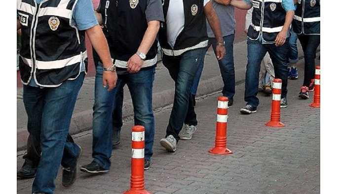Şanlıurfa'da yapılan operasyonda 11 kişi gözaltına alındı.