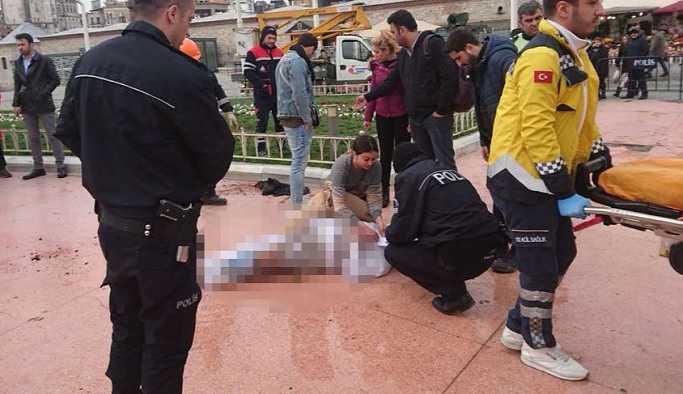 Taksim Meydanı'nda kendini yaktı!