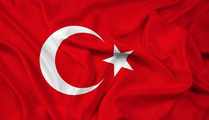 Türk bayrağının renginin değiştirilmesi teklifine ret