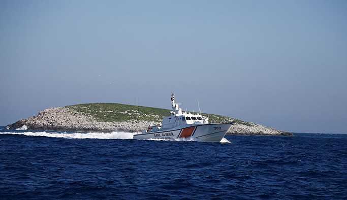 Türkiye, Kardak'ta iskele ve gözetleme kulesi yapıyor