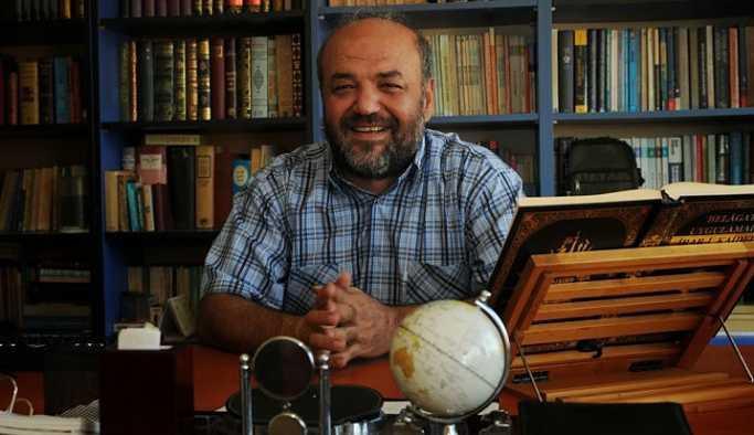Belediye, afişinde yer alan İhsan Eliaçık'ı yalanladı