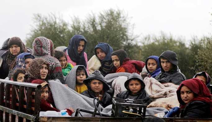 'Yüzlerce sivil dün gece Afrin'i terk etti'